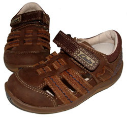 Clarks_MONNOW_BROWN.jpg